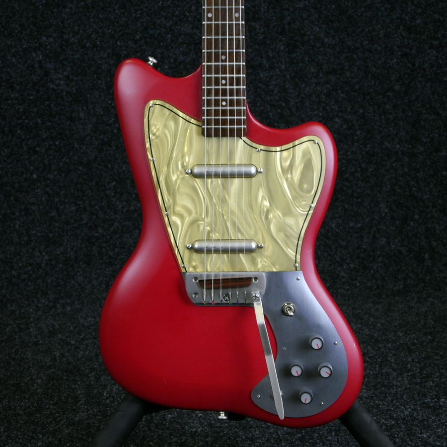 danelectro dead on 39 67 electric guitar red 2nd hand rich tone music. Black Bedroom Furniture Sets. Home Design Ideas