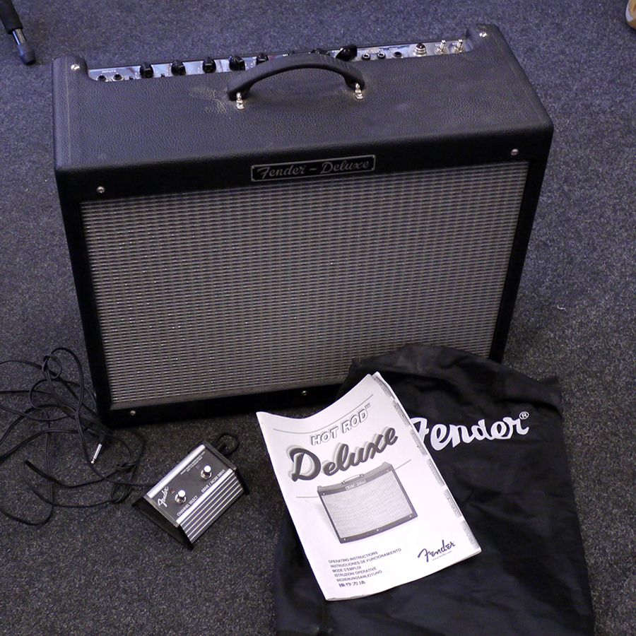 fender hot rod deluxe amplifier w footswitch and cover 2nd hand rich tone music. Black Bedroom Furniture Sets. Home Design Ideas