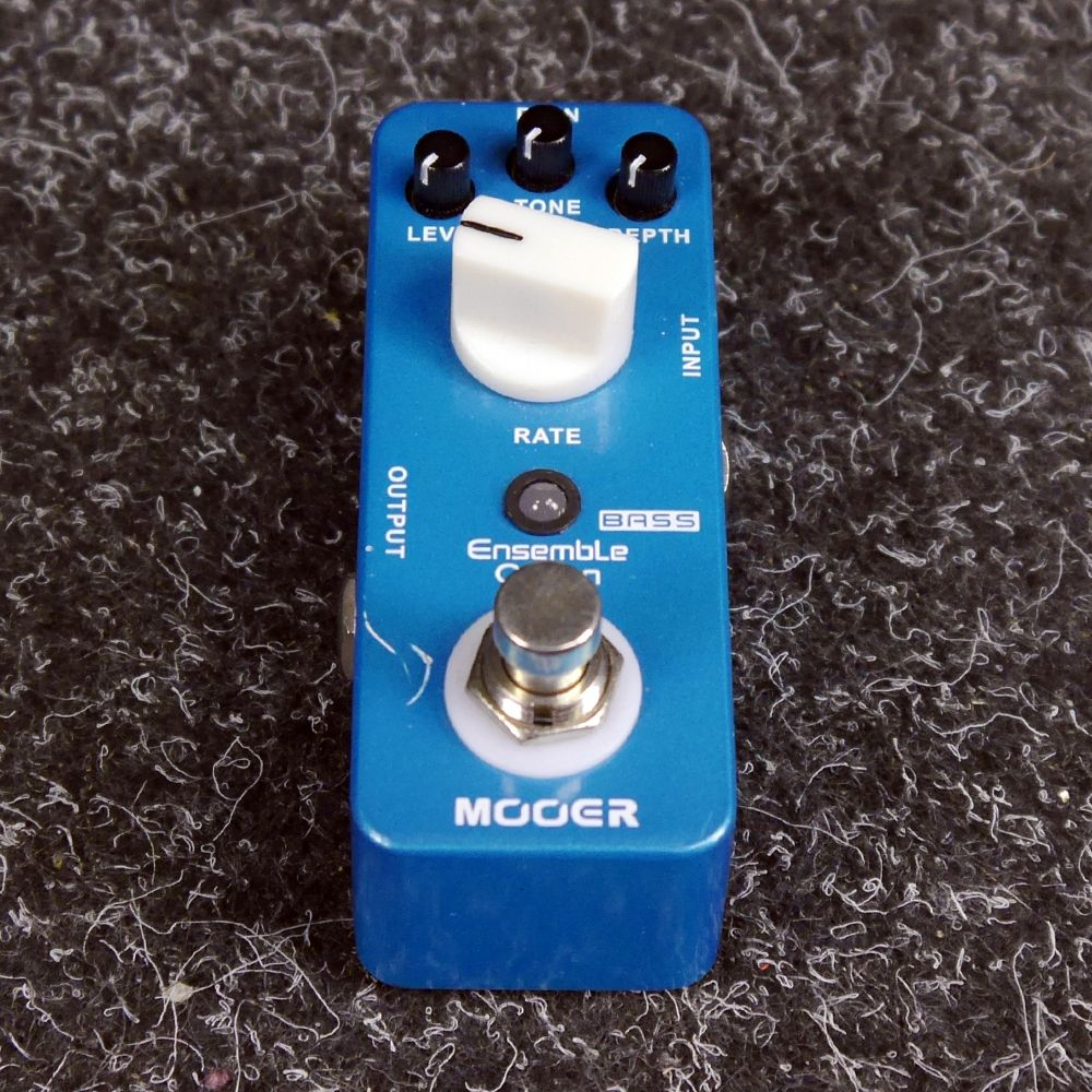 Mooer Ensemble Queen Bass Chorus FX Pedal - 2nd Hand
