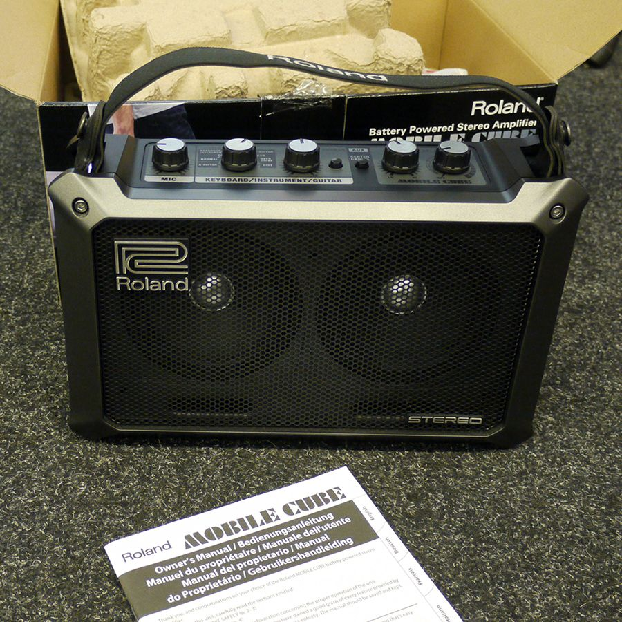 roland mobile cube portable stereo amp w box 2nd hand rich tone rh richtonemusic co uk