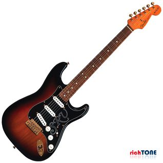 Fender Stevie Ray Vaughan Stratocaster 3 Color Sunburst