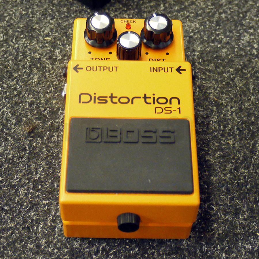 boss ds 1 distortion fx pedal w box ex demo rich tone music. Black Bedroom Furniture Sets. Home Design Ideas