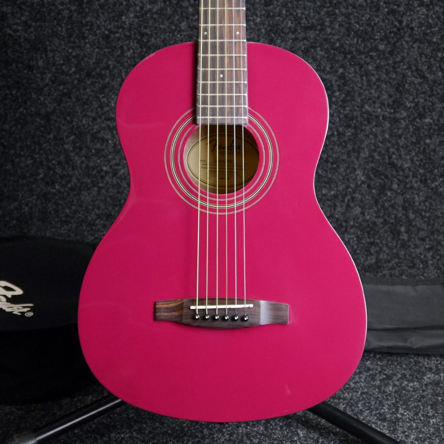 fender ma 1 3 4 size steel acoustic guitar ltd gloss red w bag ex demo rich tone music. Black Bedroom Furniture Sets. Home Design Ideas