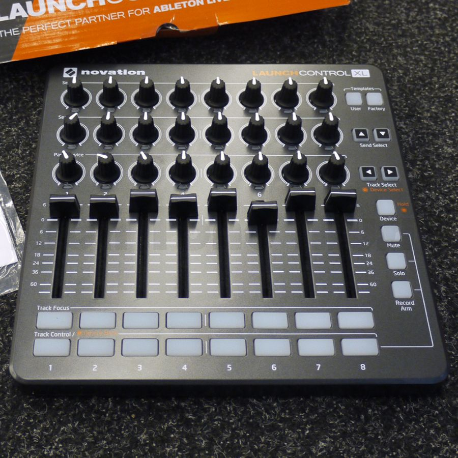 novation launch control xl midi controller ex demo rich tone music. Black Bedroom Furniture Sets. Home Design Ideas