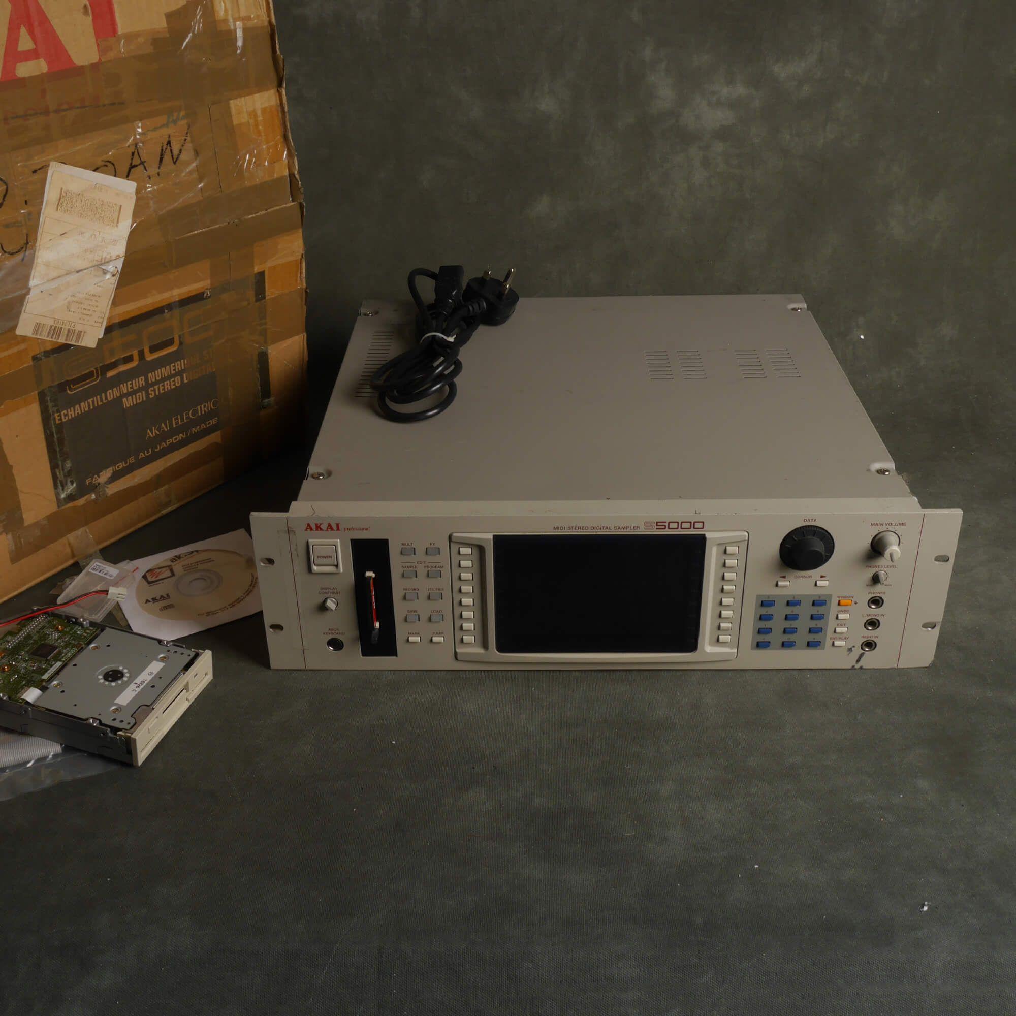 Akai S5000 Rack Sampler 256mb/4Gb Flash, No USB w/Box - 2nd Hand
