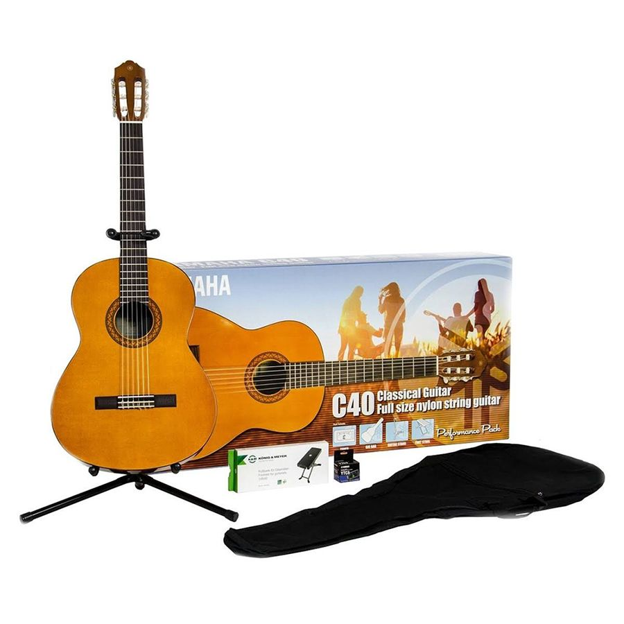 Yamaha C40II Classical Guitar Performance Pack