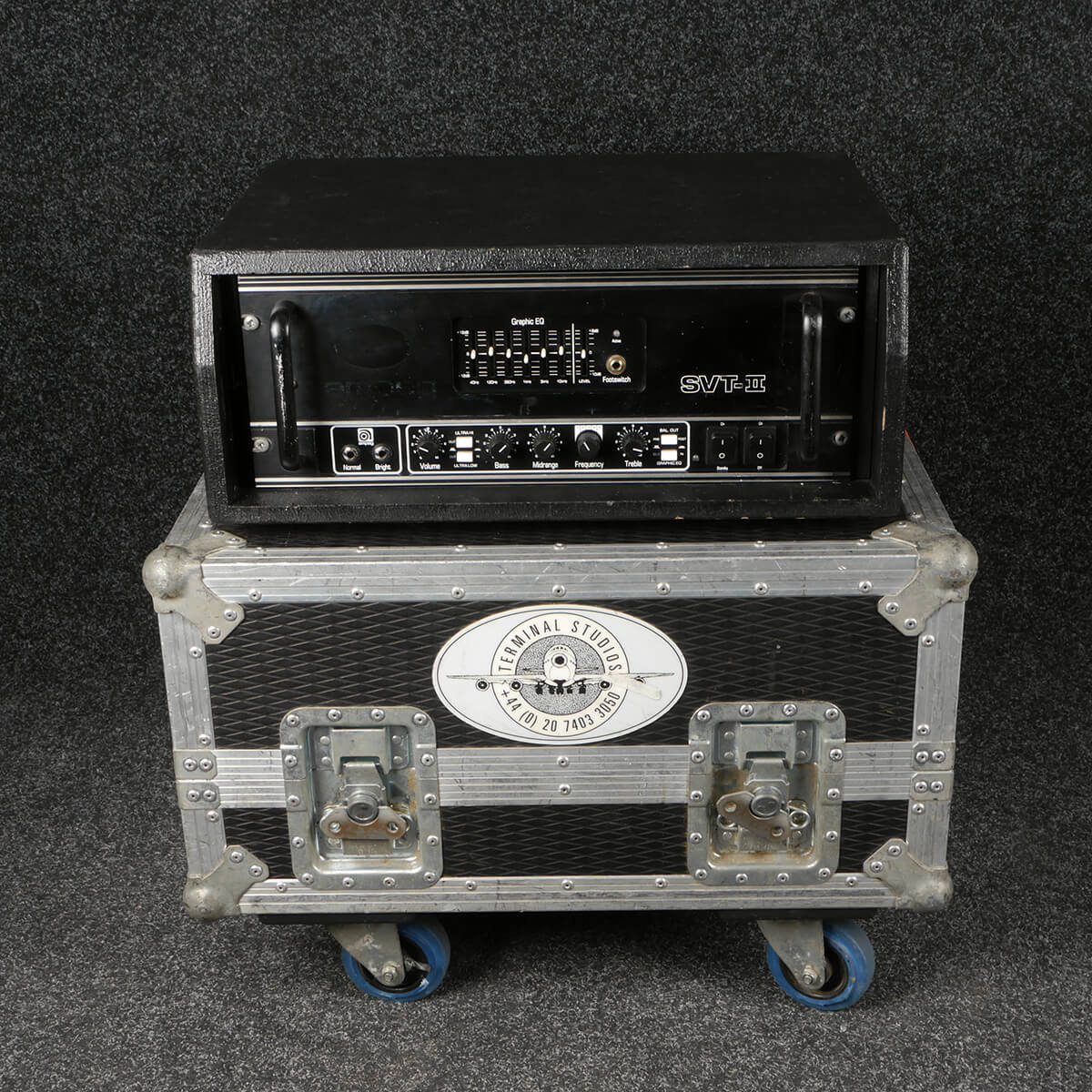 Ampeg SVT II Head **CONTACT FOR DELIVERY** (A63) w/Flight Case - 2nd Hand
