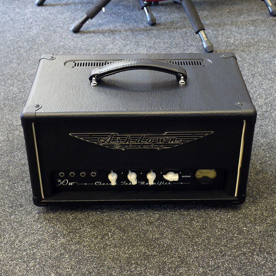 ashdown ctm 30 valve bass amp head 2nd hand rich tone music. Black Bedroom Furniture Sets. Home Design Ideas