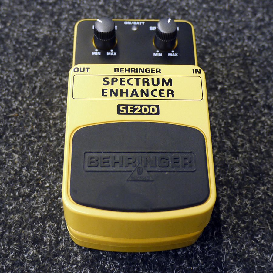 Behringer SE200 Spectrum Enhancer FX Pedal - 2nd Hand