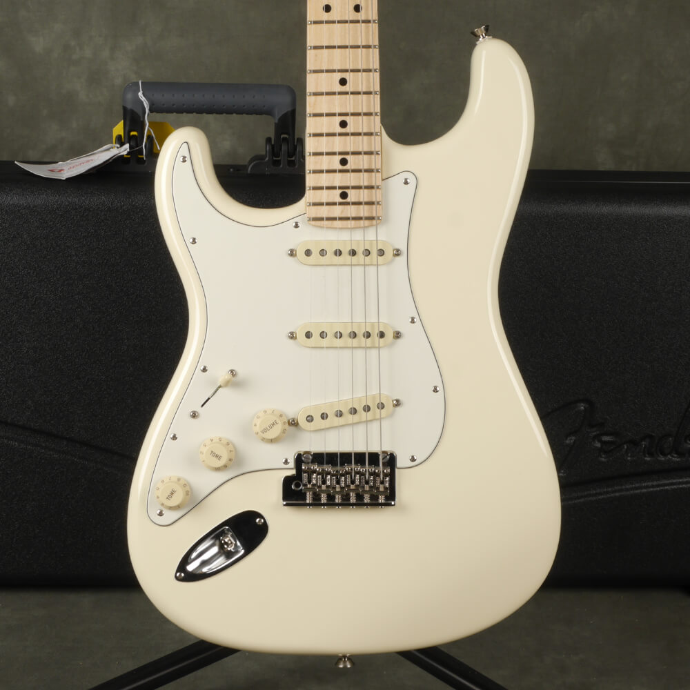 Fender American Professional Stratocaster, Left Handed - White w/Case - 2nd Hand