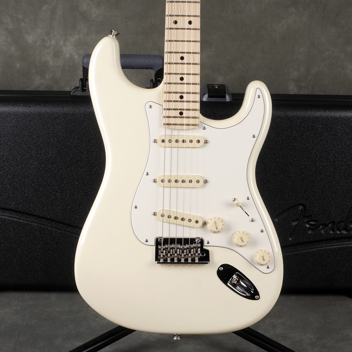 Fender American Pro Stratocaster - Olympic White w/Hard Case - 2nd Hand