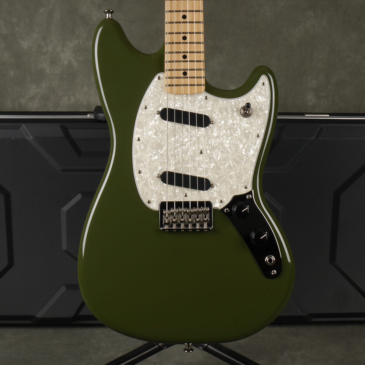 Fender MIM Mustang - Olive Green w/Hard Case - 2nd Hand