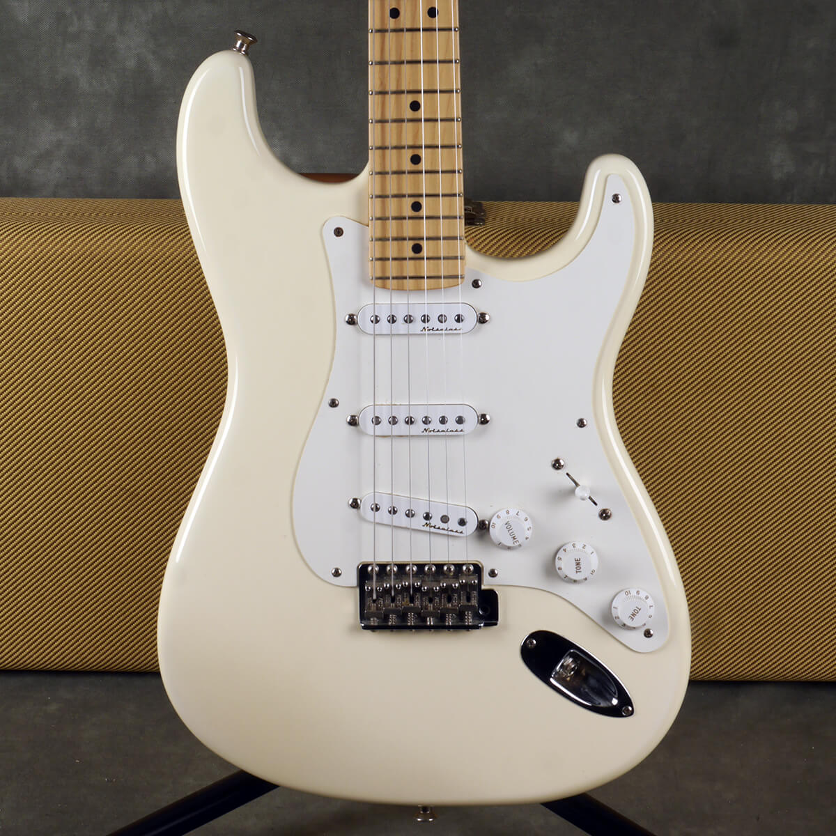 Fender 2001 Eric Clapton Sig. Stratocaster - Olympic White w/Case - 2nd Hand