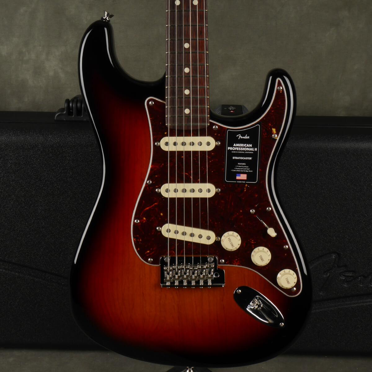 Fender American Pro II Stratocaster - 3-Tone Sunburst w/Hard Case - 2nd Hand