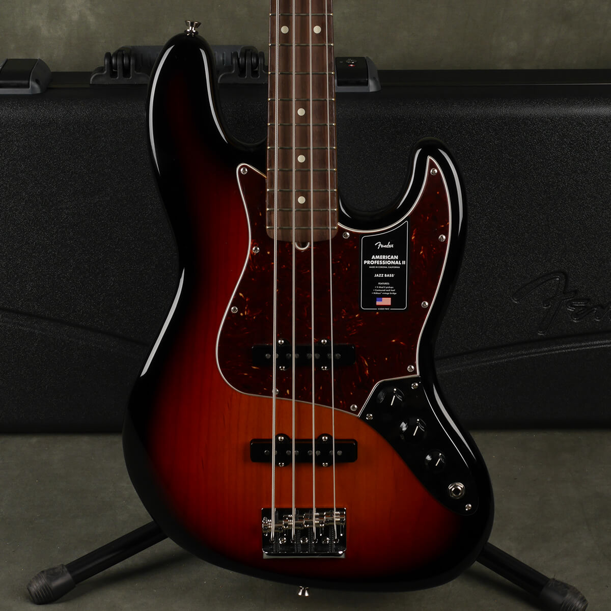 Fender American Pro II Jazz Bass - 3-Tone Sunburst w/Hard Case - 2nd Hand