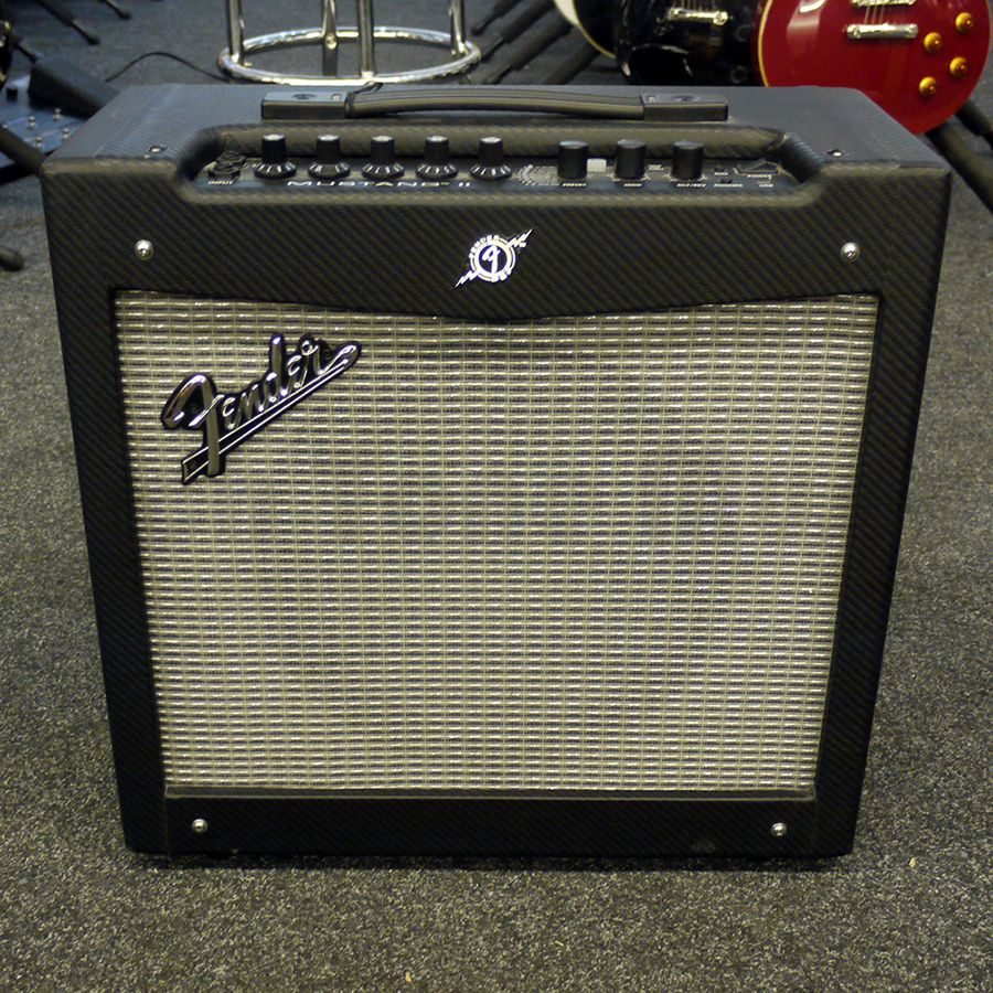 fender mustang ii v1 40w 12 combo amplifier w box 2nd hand rich tone music. Black Bedroom Furniture Sets. Home Design Ideas