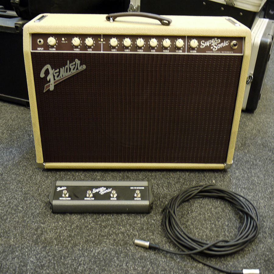 fender super sonic 22 combo blonde w footswitch 2nd hand rich tone music. Black Bedroom Furniture Sets. Home Design Ideas