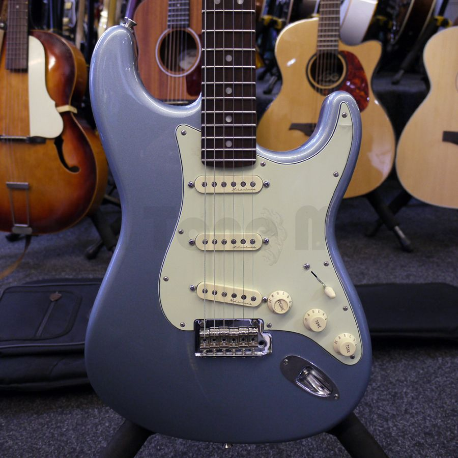 fender 2016 deluxe roadhouse stratocaster mystic ice blue w gig bag 2nd hand rich tone music. Black Bedroom Furniture Sets. Home Design Ideas