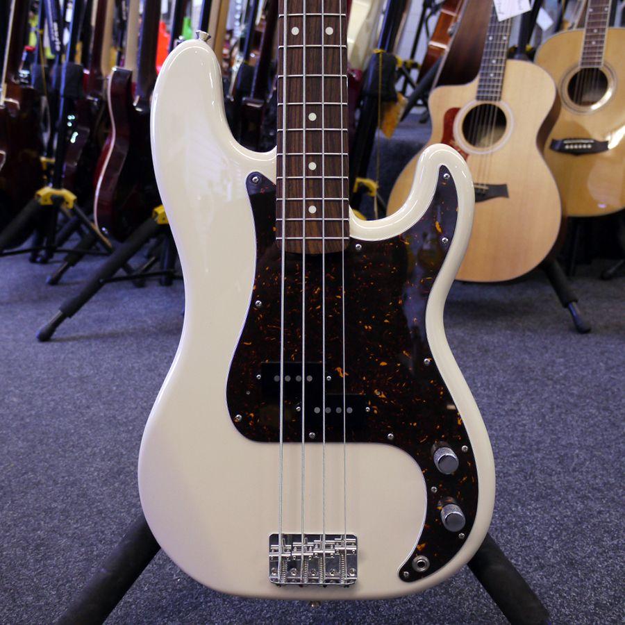 second hand fender precision bass bass guitars rich tone music. Black Bedroom Furniture Sets. Home Design Ideas