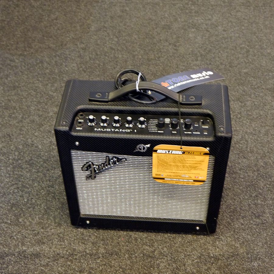 fender mustang i combo guitar amplifier 2nd hand rich tone music. Black Bedroom Furniture Sets. Home Design Ideas