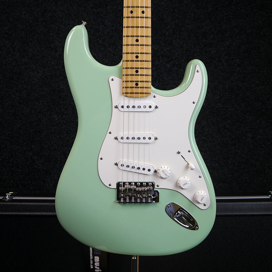 fender american special stratocaster seafoam green w case 2nd hand rich tone music. Black Bedroom Furniture Sets. Home Design Ideas