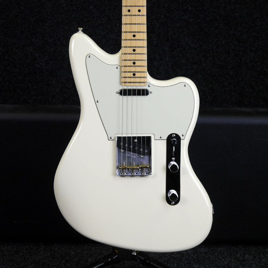 Fender American Offset Electric Guitar - White w/ Hard Case - 2nd Hand