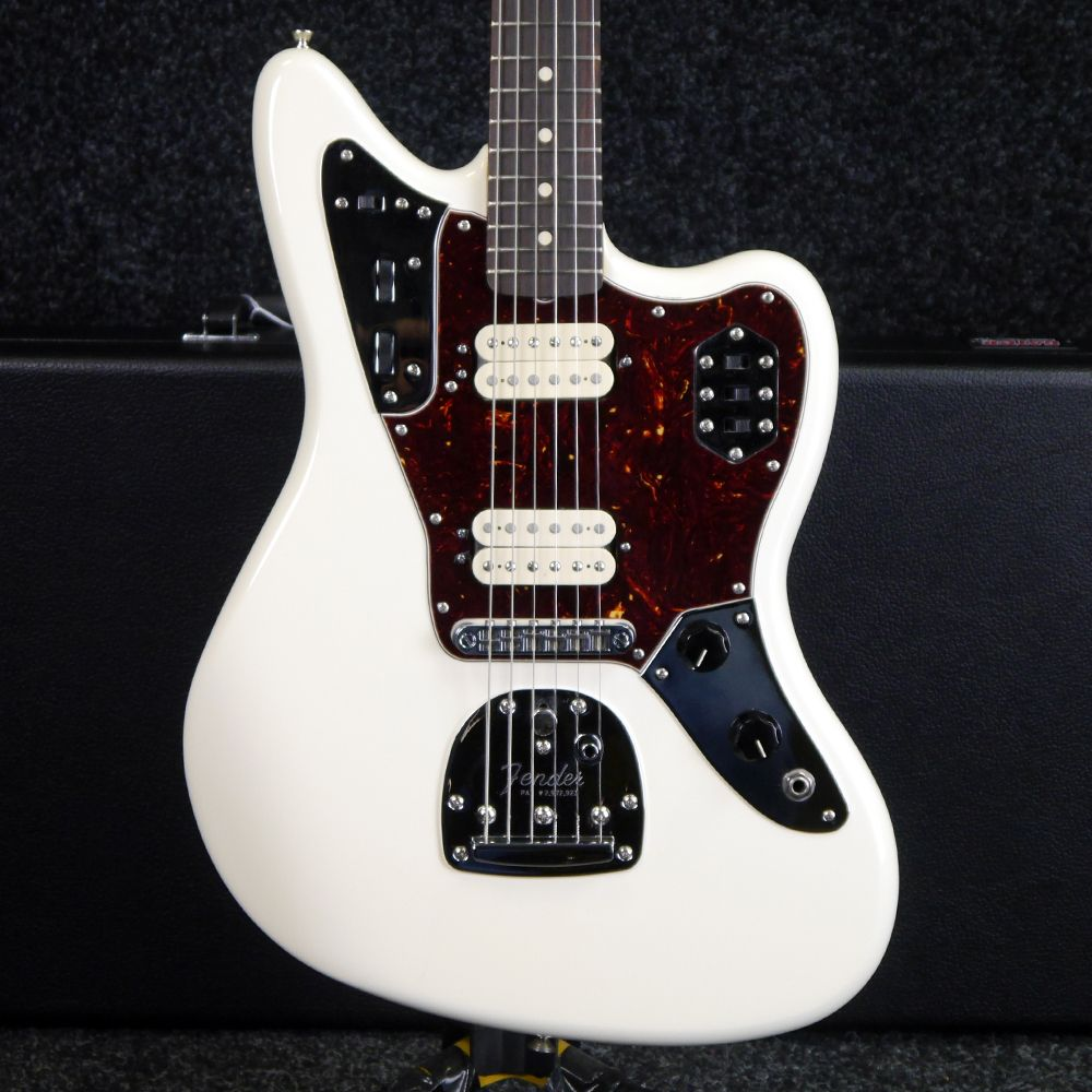 Fender Classic Player Jaguar, HH - Olympic White w/ Case - 2nd Hand