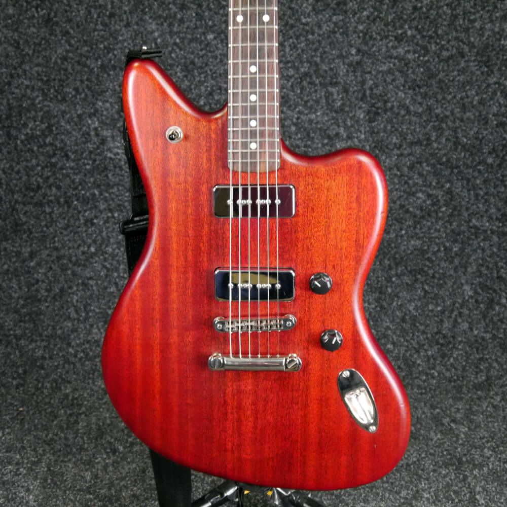 fender modern player jaguar natural cherry 2nd hand. Black Bedroom Furniture Sets. Home Design Ideas