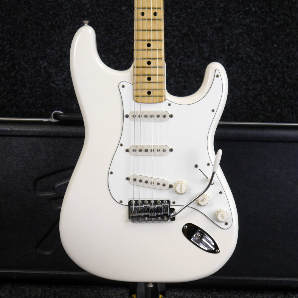 Fender 1974 Stratocaster - White w/Hard Case - 2nd Hand