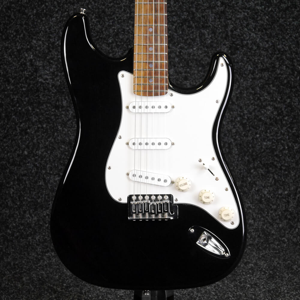 second hand fender stratocaster electric guitars rich tone music. Black Bedroom Furniture Sets. Home Design Ideas