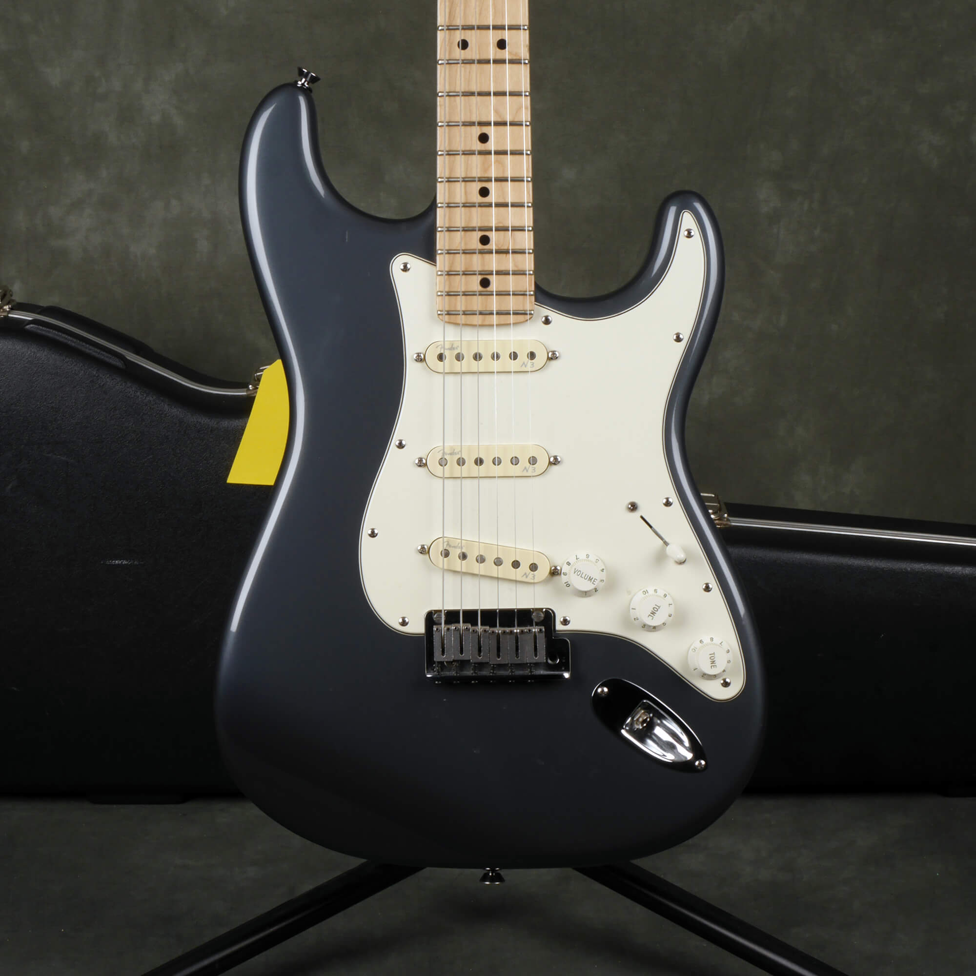 Fender 2007 American Standard Stratocaster - Pewter w/Hard Case - 2nd Hand