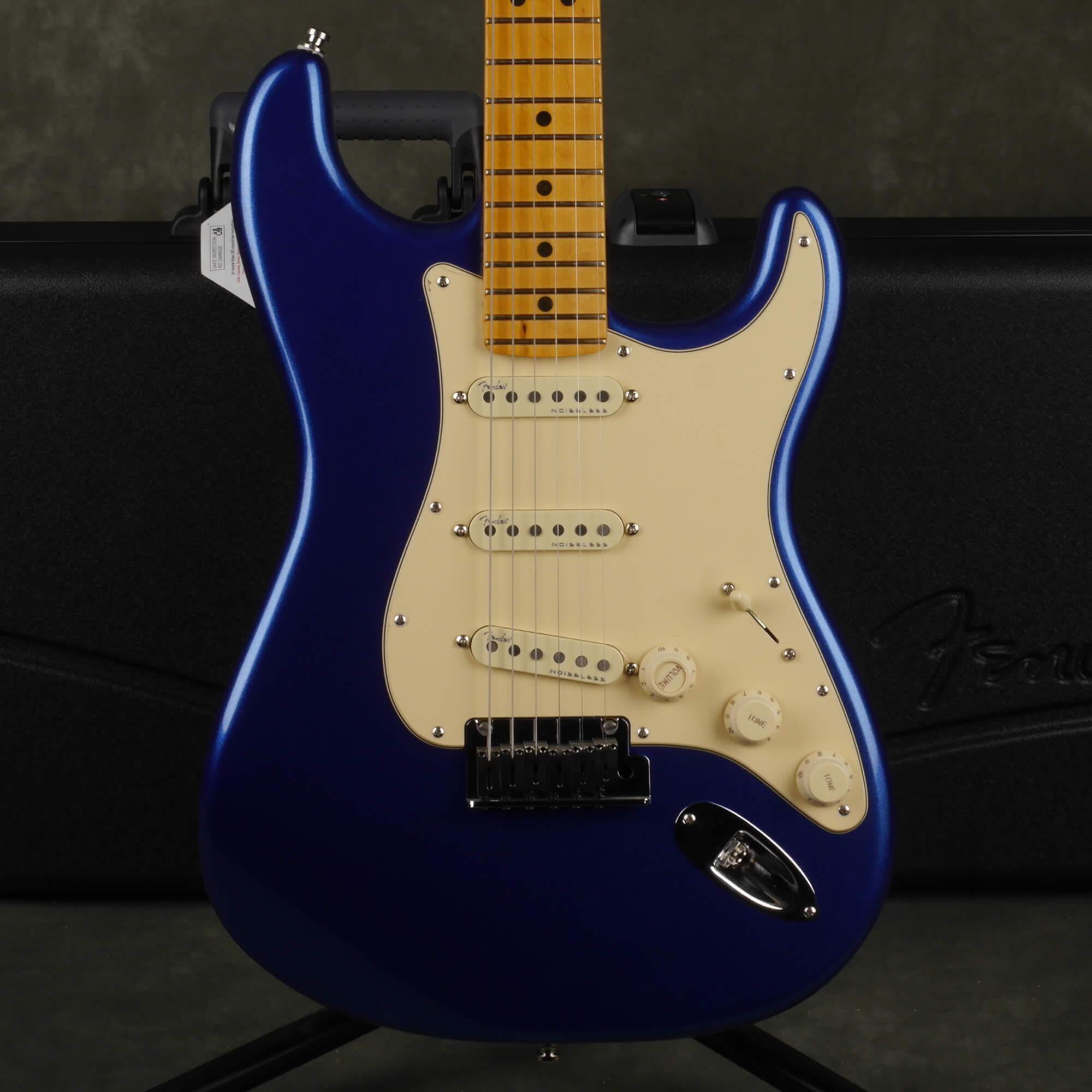 Fender American Ultra Stratocaster - Cobra Blue w/Hard Case - 2nd Hand