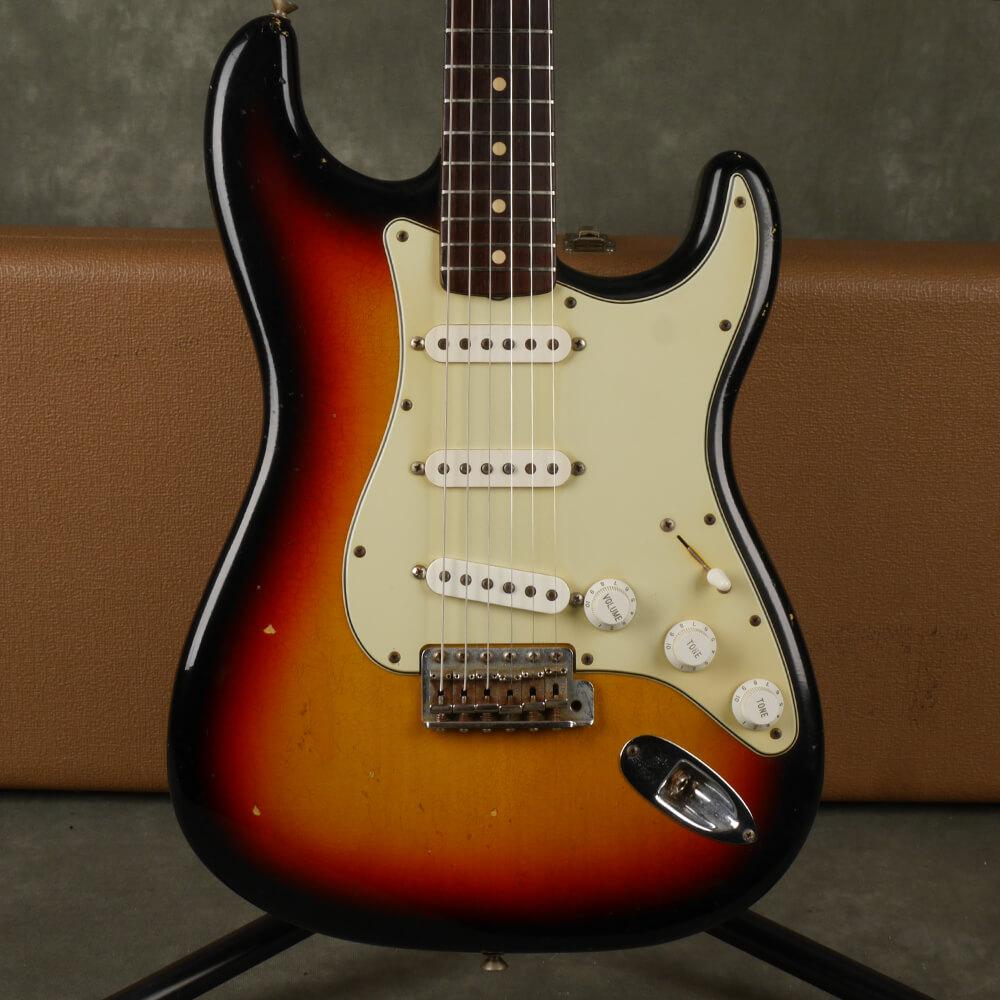 Fender Custom Shop 1960s Relic Stratocaster - Sunburst w/Hard Case - 2nd Hand