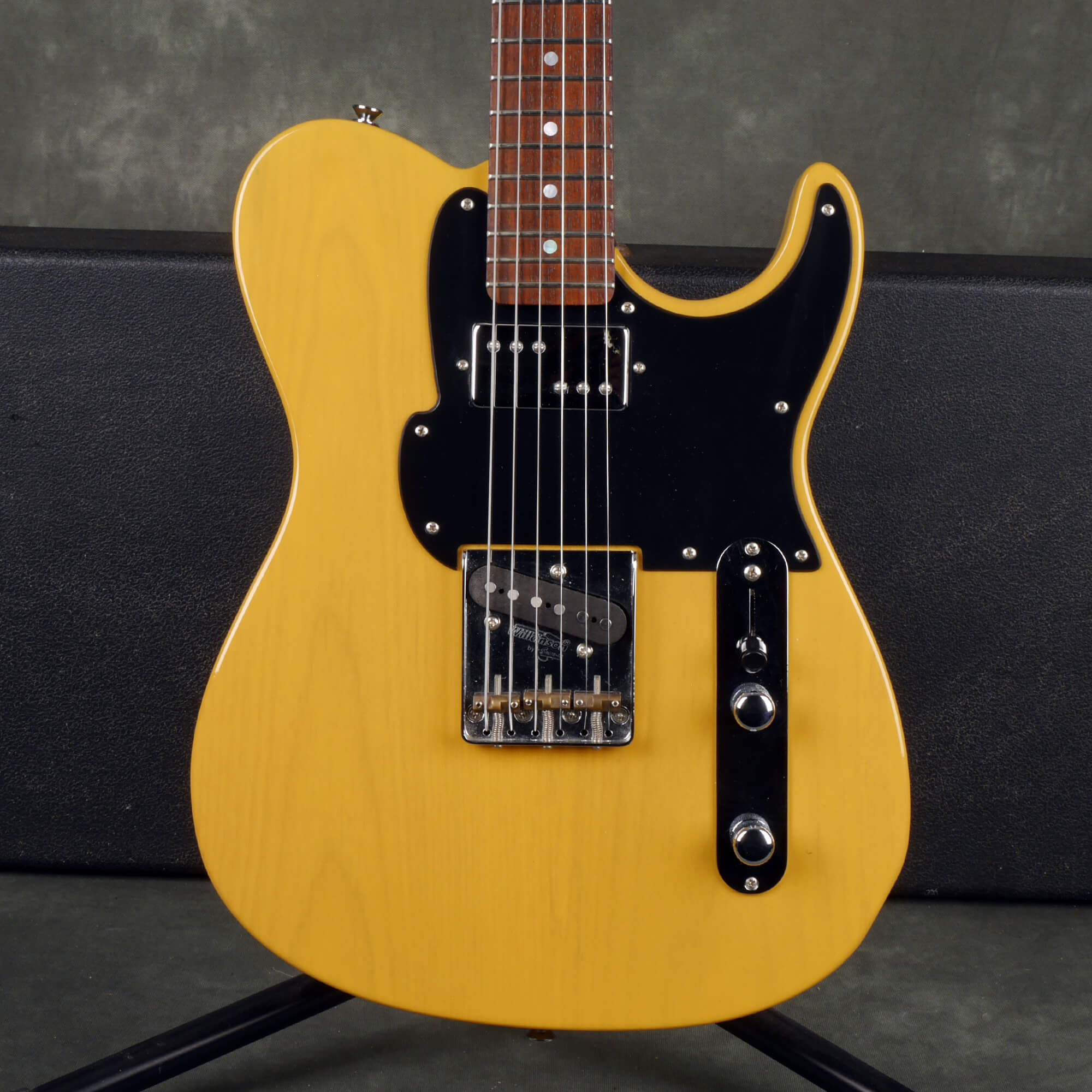 Fret King Country Squire - Butterscotch w/Hard Case - 2nd Hand