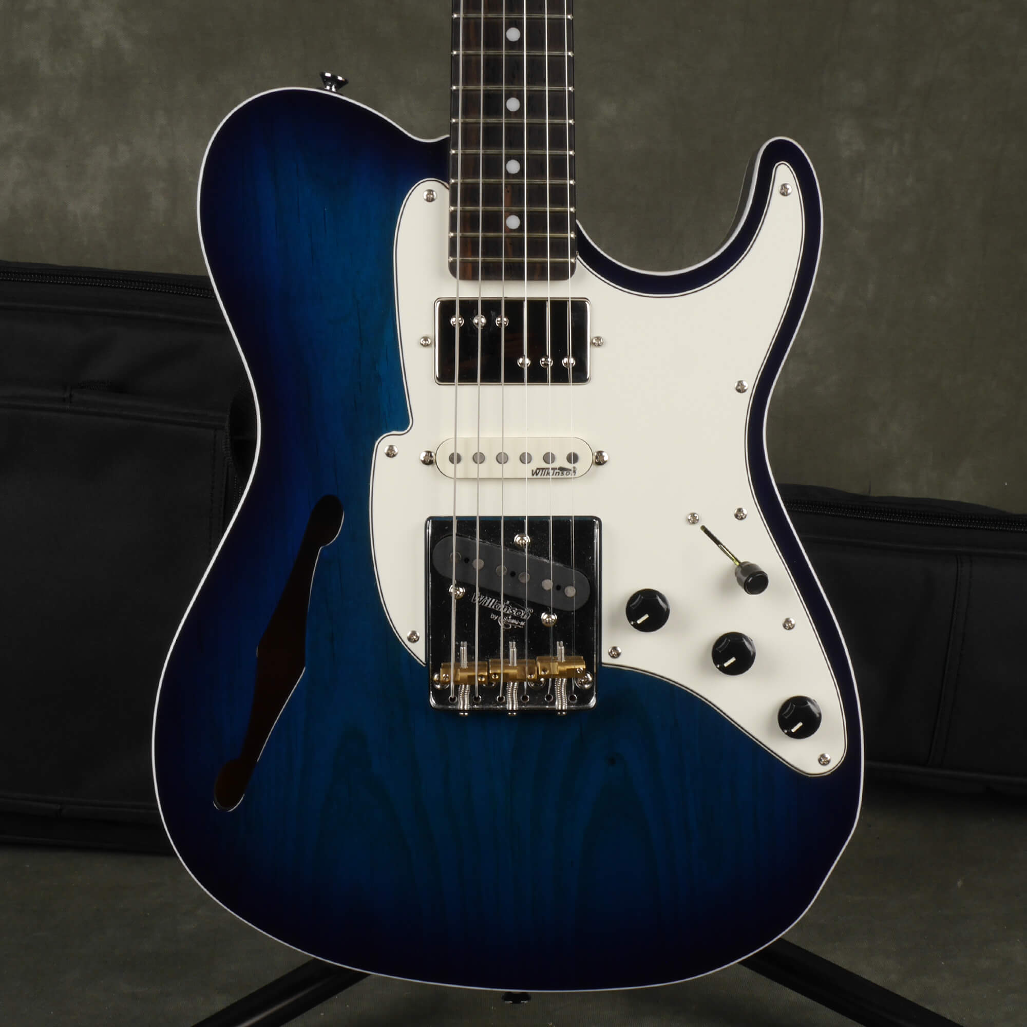 Fret-King Country Squire Semitone Special - Blue Burst w/Gig Bag - 2nd Hand