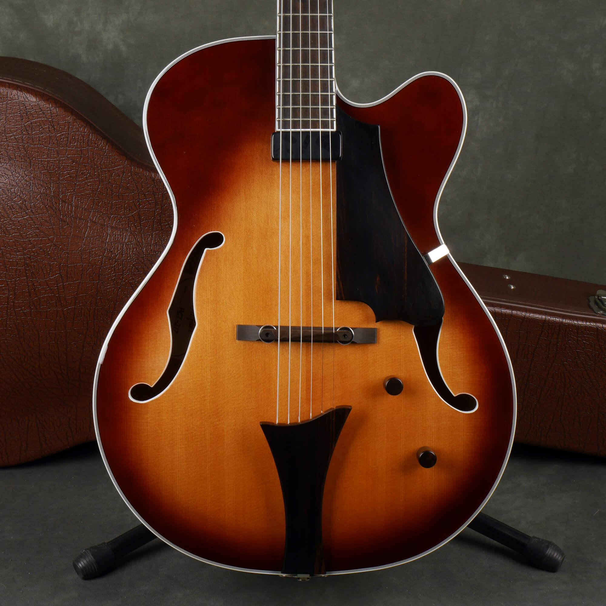 Hofner HCT-J17 Jazz Archtop Guitar - Vintage Sunburst w/Hard Case - 2nd Hand