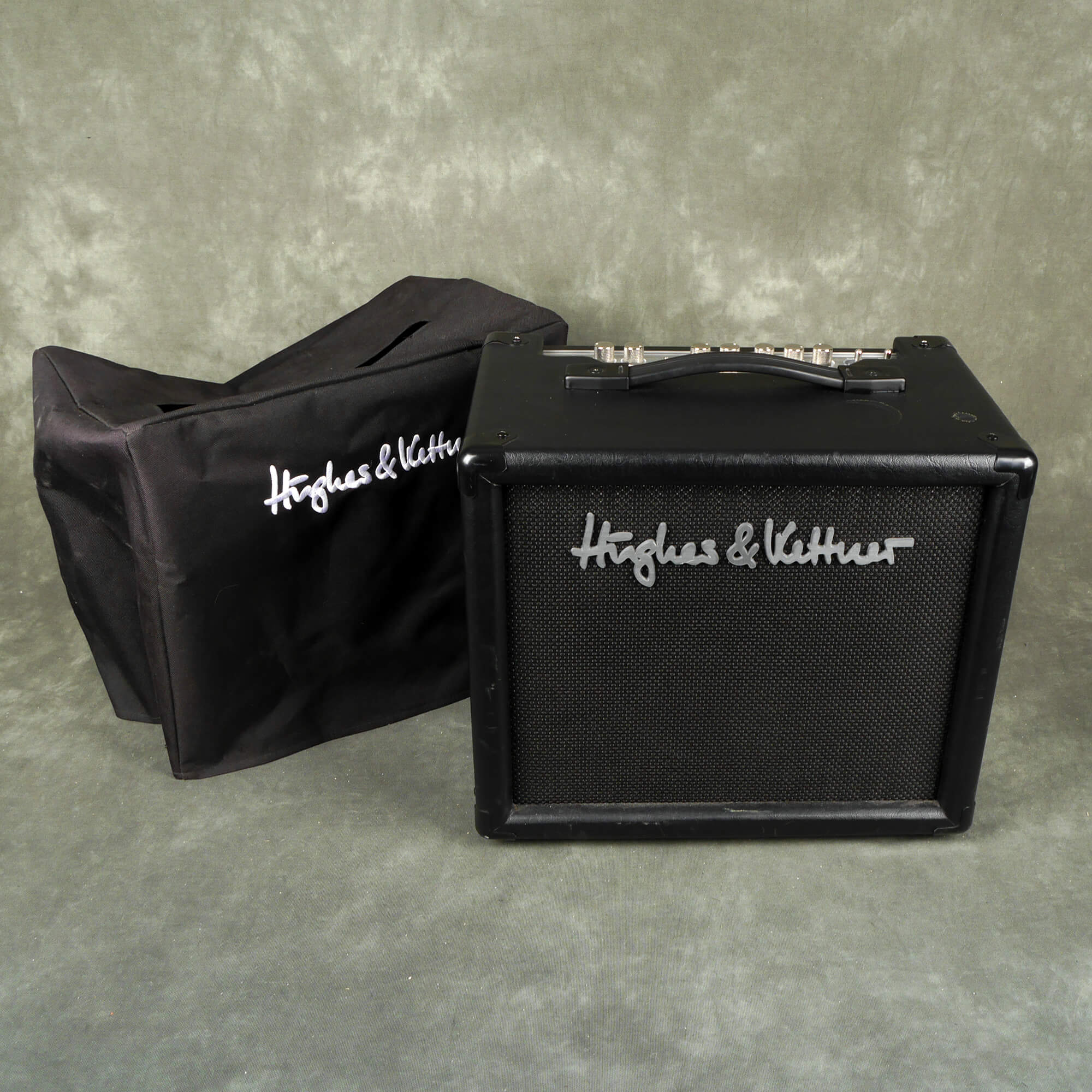 Hughes and Kettner 18 Guitar Combo Amplifier w/Cover - 2nd Hand
