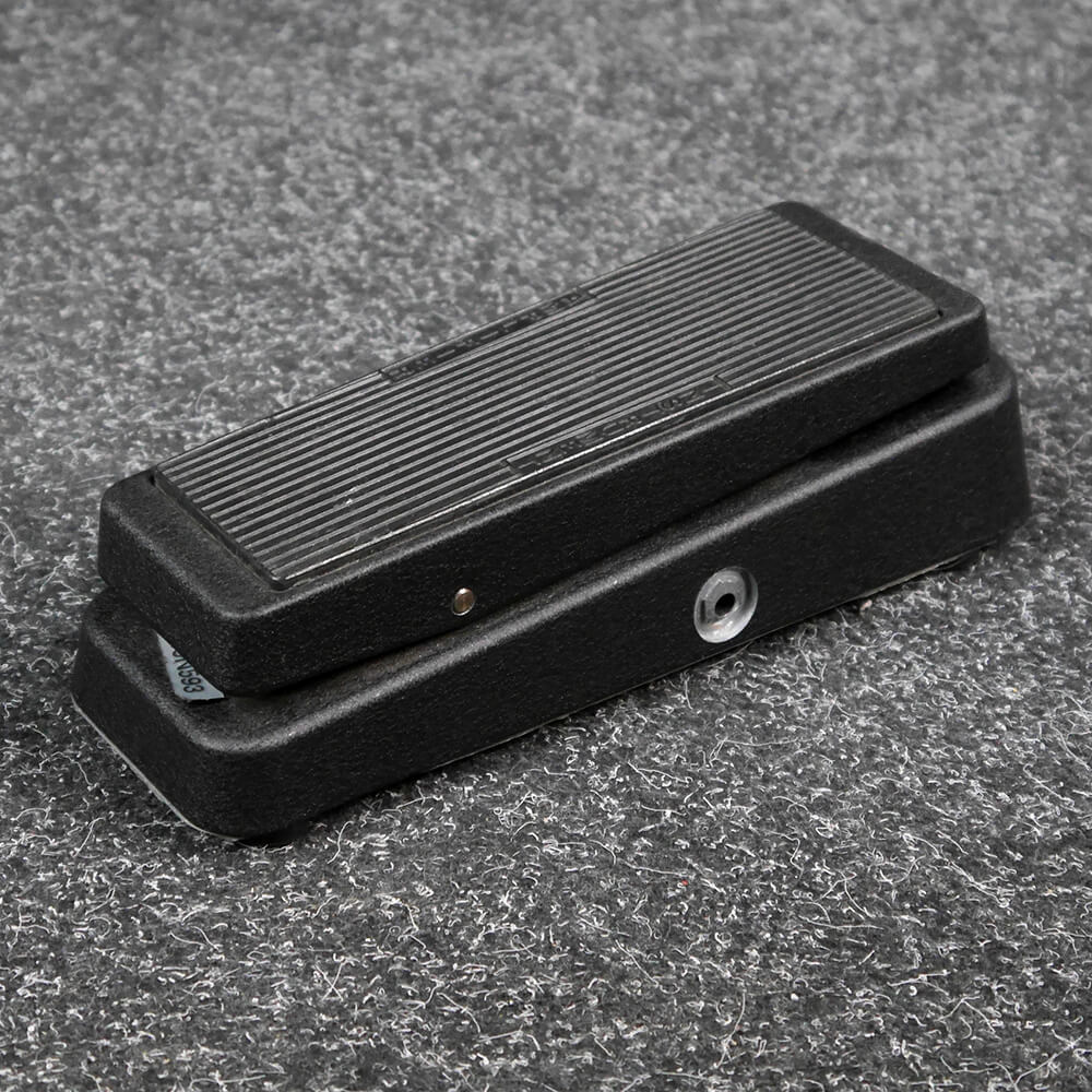 jim dunlop gcb95 cry baby standard wah pedal 2nd hand rich tone music. Black Bedroom Furniture Sets. Home Design Ideas
