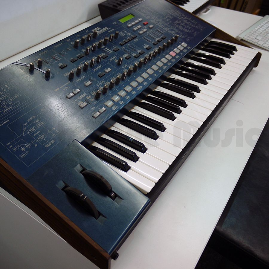 korg ms2000 analogue modelling synthesizer 2nd hand rich tone music. Black Bedroom Furniture Sets. Home Design Ideas