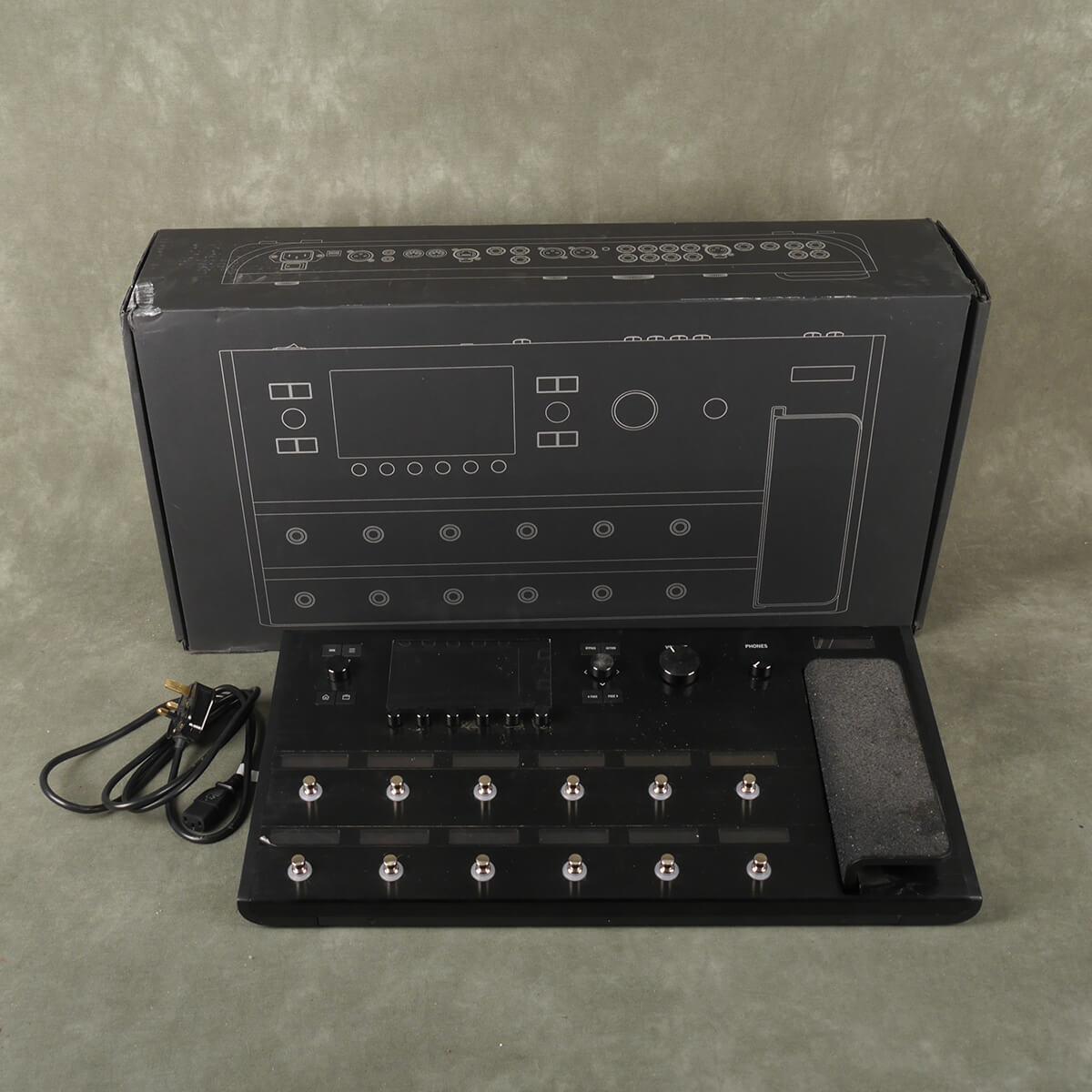 Line 6 Helix Modelling FX w/Box & PSU - 2nd Hand