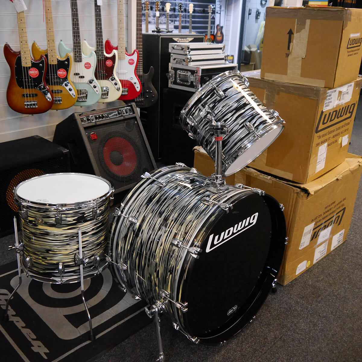 Ludwig Classic Maple Kit - Black Oyster w/Box - 2nd Hand **COLLECTION ONLY**