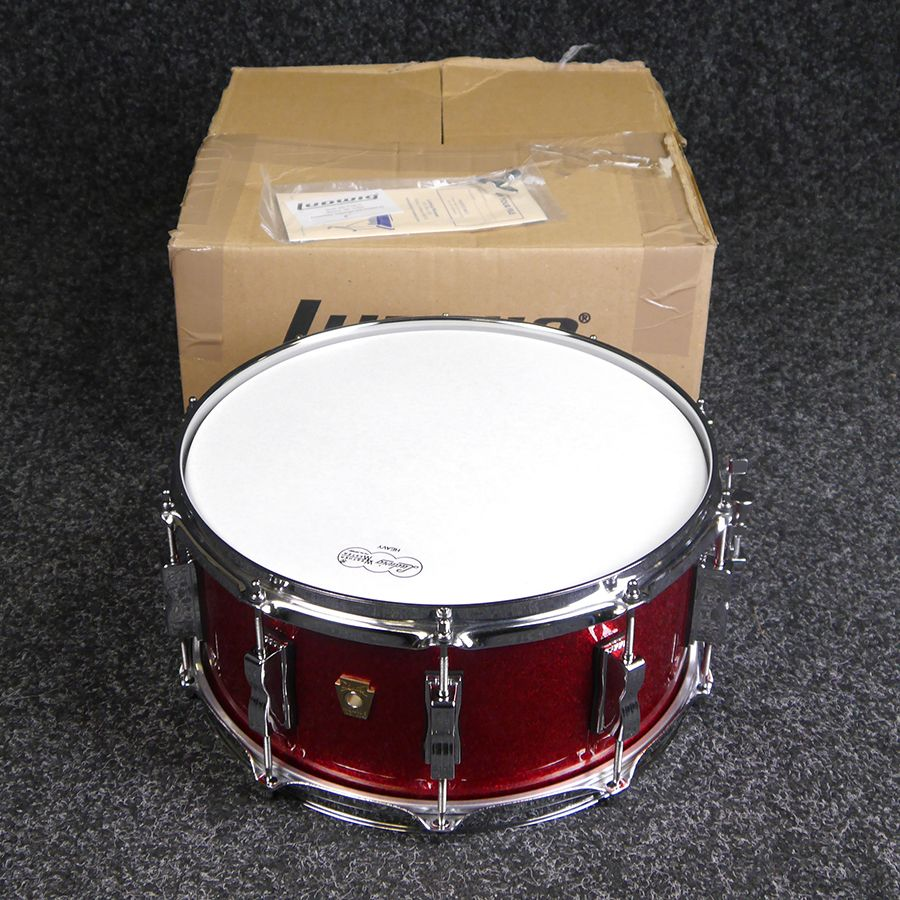ludwig classic maple snare drum 6 5 x 14 red sparkle w box 2nd hand rich tone music. Black Bedroom Furniture Sets. Home Design Ideas