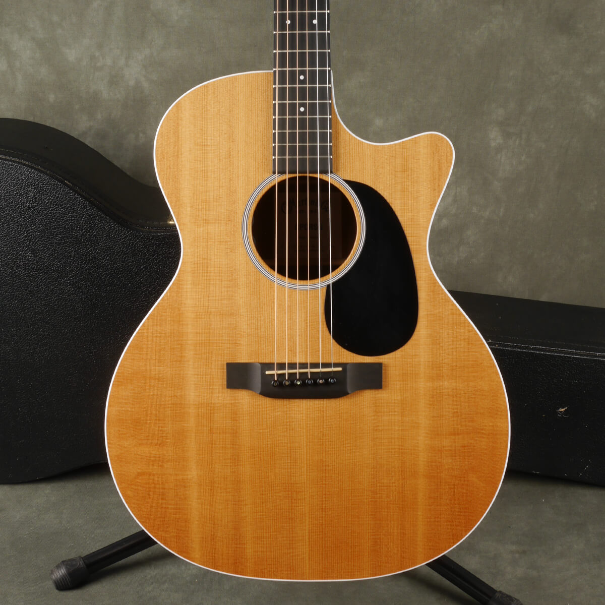 Martin GPCRSG Road Series Electro-Acoustic - Natural w/Hard Case - 2nd Hand