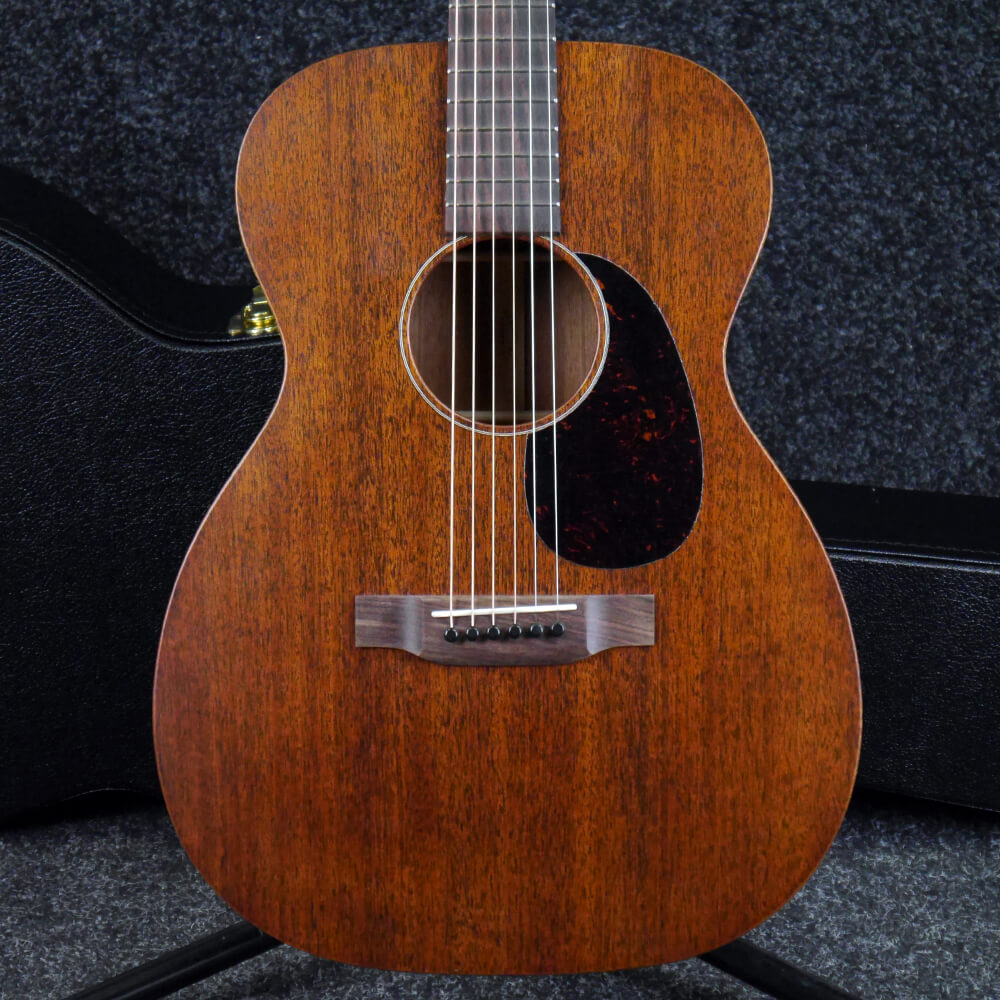 martin 0015 acoustic guitar mahogany w hard case 2nd hand rich tone music. Black Bedroom Furniture Sets. Home Design Ideas