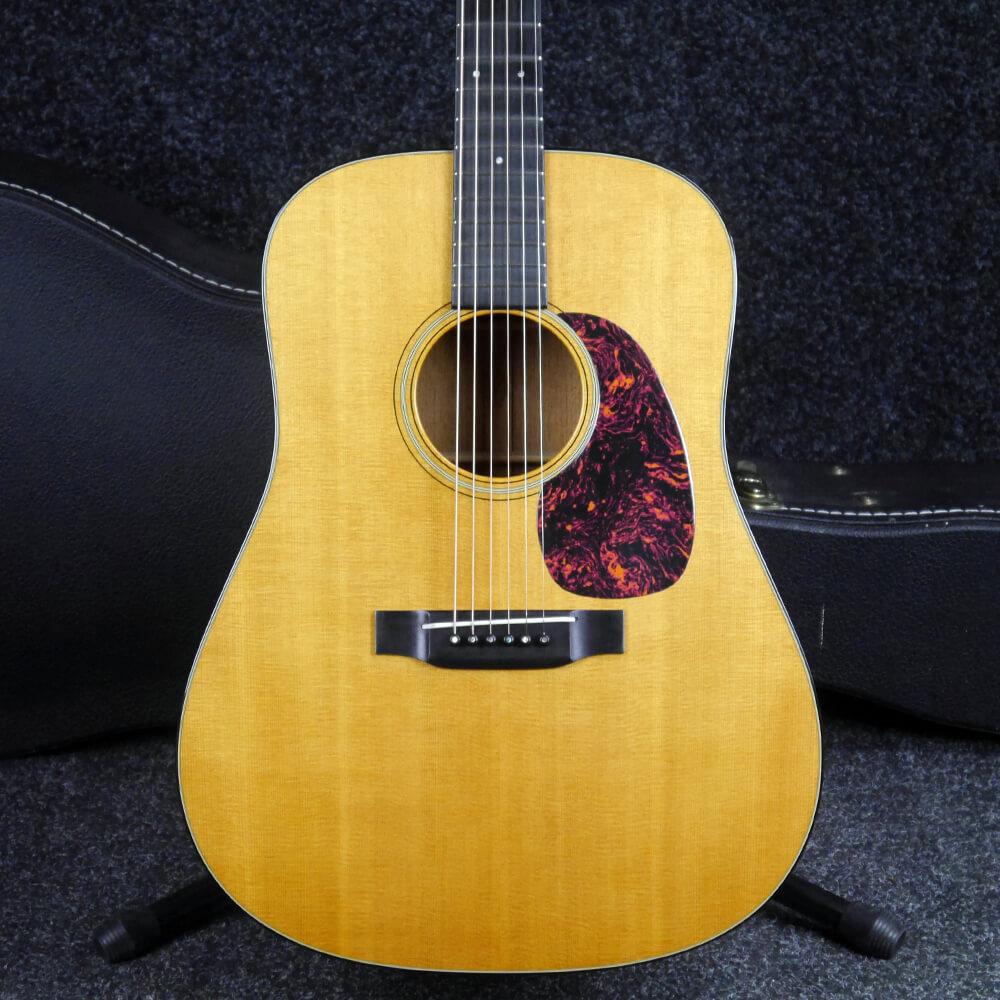 Martin 2003 D-18V Dreadnought Acoustic Guitar - Natural w/Hard Case - 2nd Hand