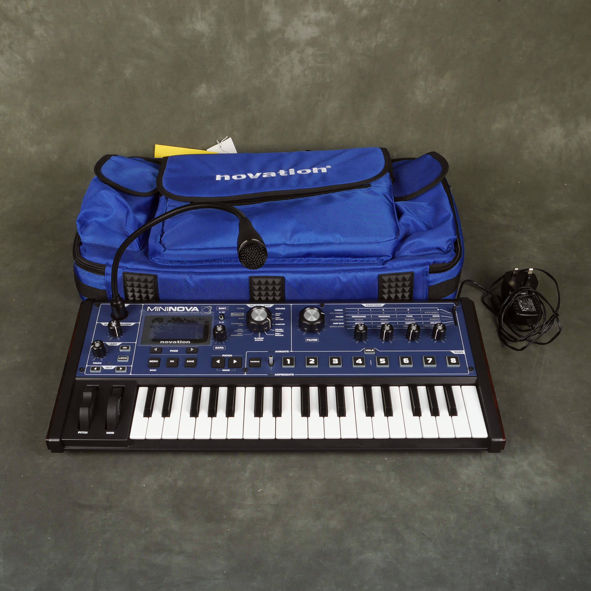 Novation MiniNova Keyboard Synthesizer w/Gig Bag - 2nd Hand