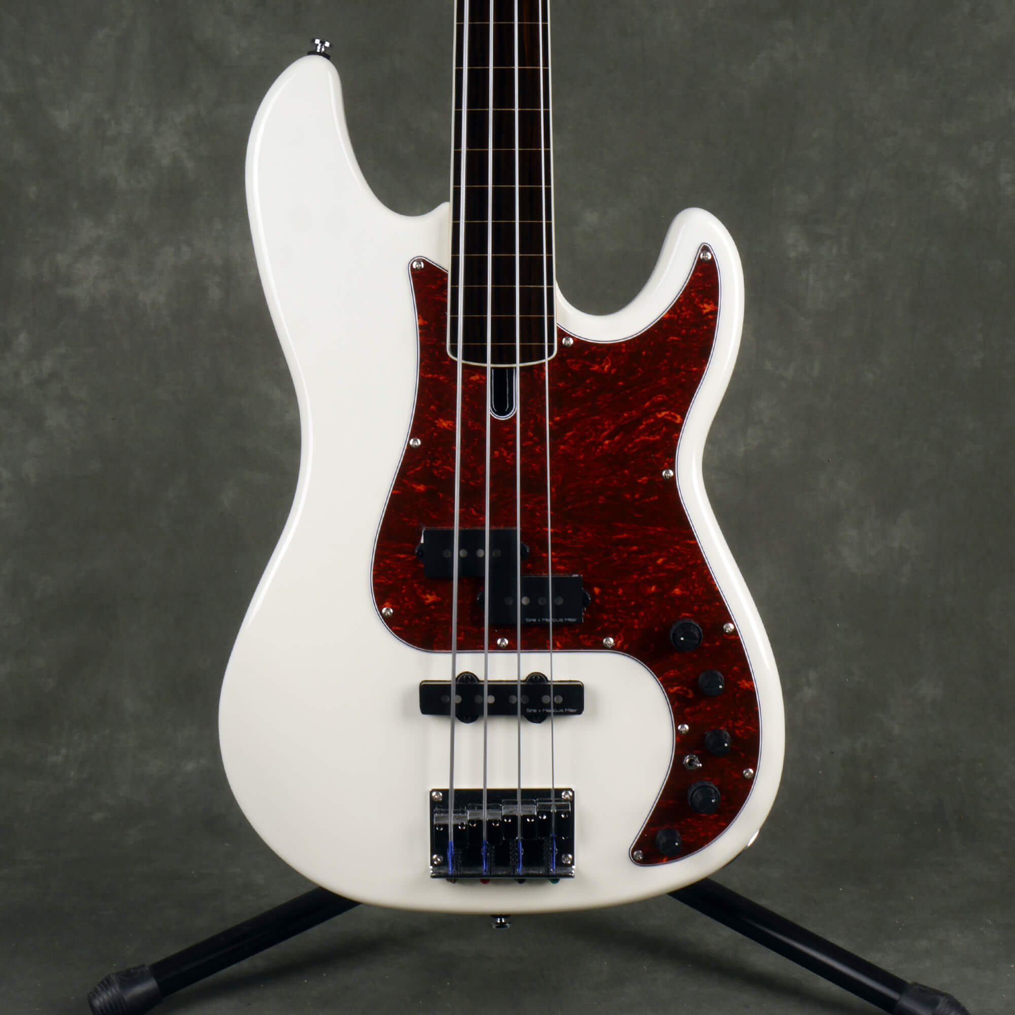 Marcus Miller Sire P7 Fretless Bass - White - 2nd Hand