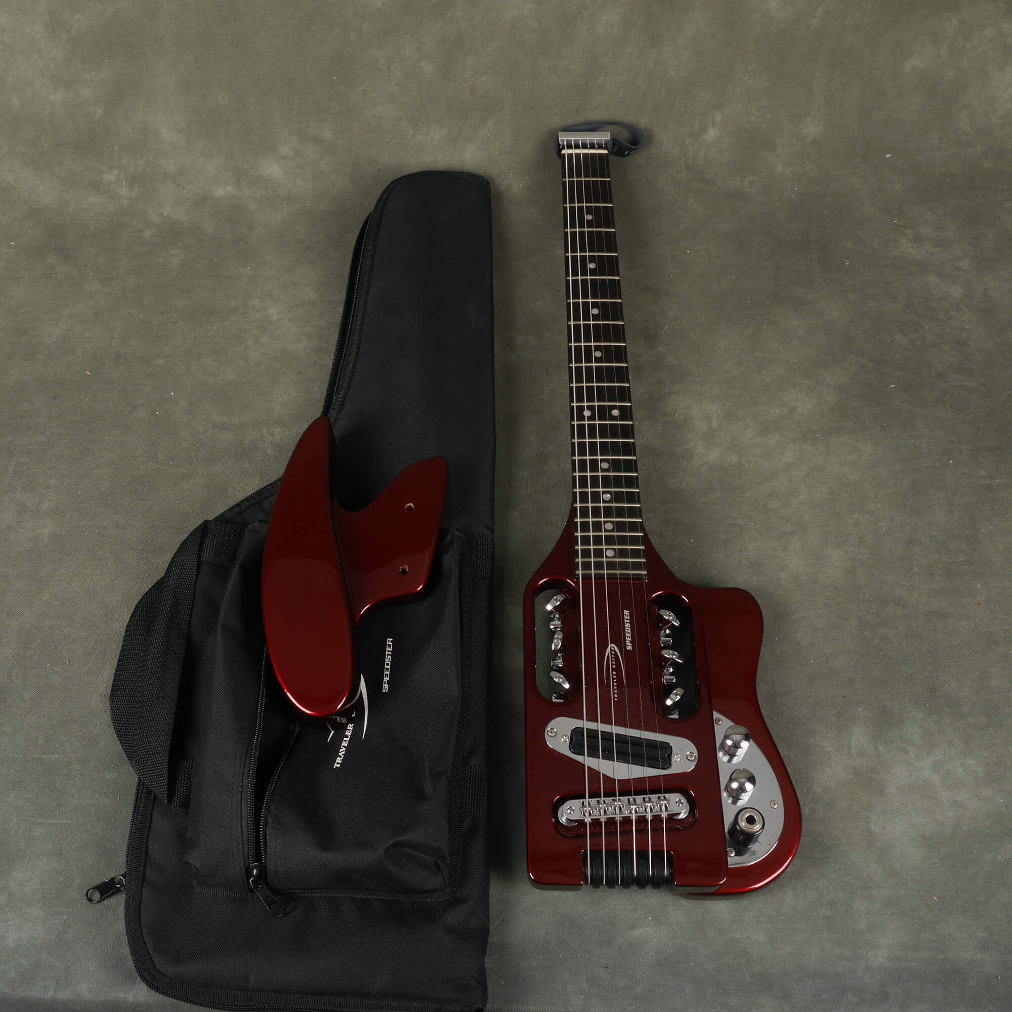 Traveler Guitar Speedster - Wine Red w/Gig Bag - 2nd Hand