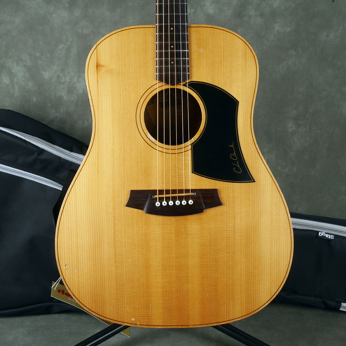 Cole Clark Fat Lady Acoustic Guitar - Natural w/Gig Bag - 2nd Hand