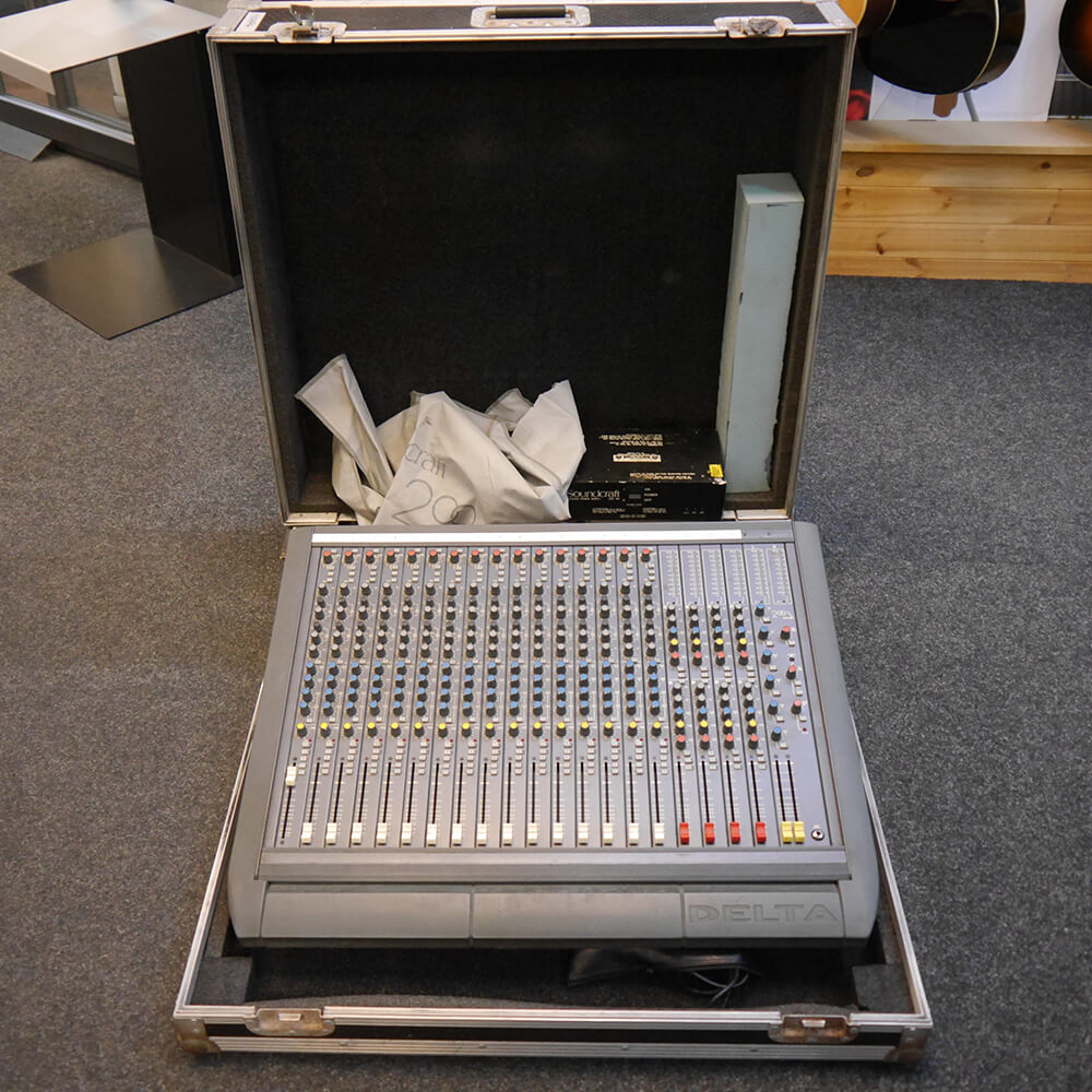 Soundcraft Delta 200 16 Channel Mixer w/Case - 2nd Hand **COLLECTION ONLY**
